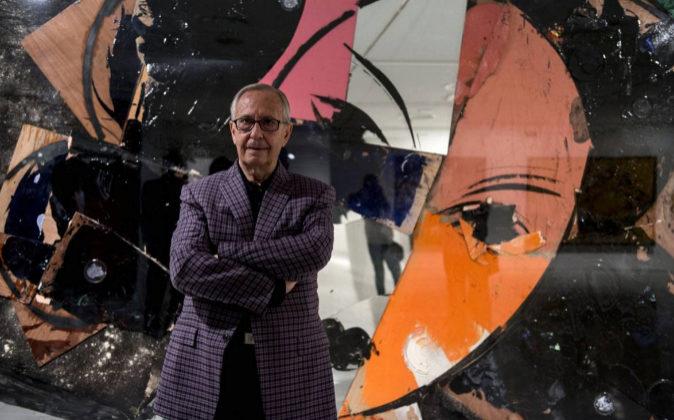 M. Valdés en la Exposición 'Una visión personal' de la...