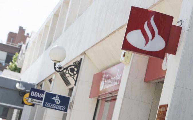 Sucursales de La Caixa, BBVA y de Banco Santander.
