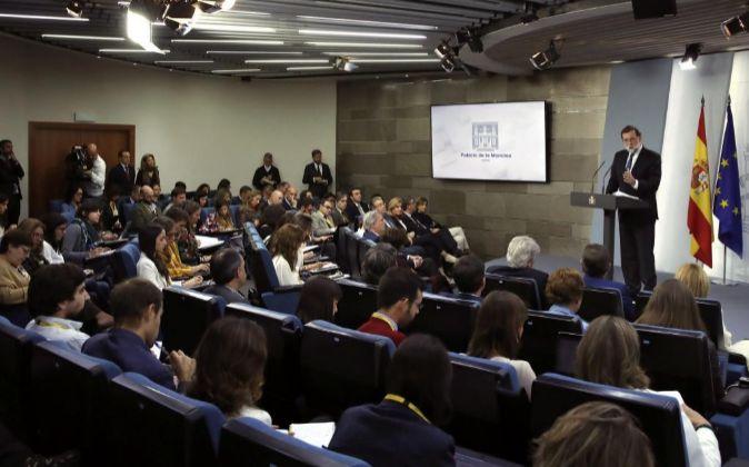 El presidente del gobierno Mariano Rajoy compareció el sábado para...