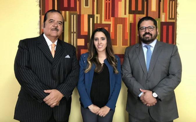Jorge Bravo Benites, Sofía Vásquez Carrera y Jorge Bravo Robles.