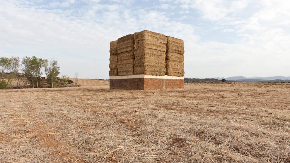 LaNaveVa exposición Straw Bale Project paja