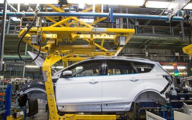Un Ford Kuga en la línea de montaje de Almussafes.
