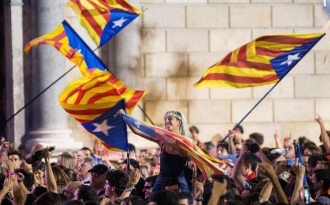 Concentración en la Plaza de Sant Jaume de Barcelona, el 27 de...