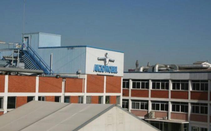 Fábrica de AkzoNobel en el Prat de Llobregat (Barcelona).