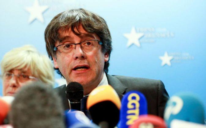 El expresidente de la Generalitat de Cataluña Carles Puigdemont,...