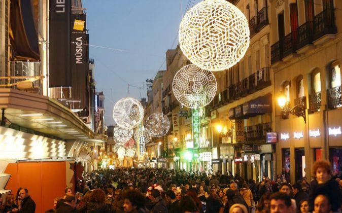 Imagen de archivo de la céntrica y comercial calle Preciados de...
