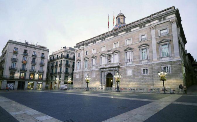 Fachada de la sede de la Generalitat de Cataluña en la plaza de Sant...