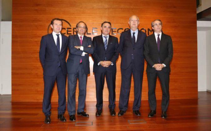 Juan Velayos, consejero delegado de Neinor Homes; Pere Viñolas,...