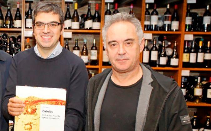 Ferran Centelles y Ferran Adrià presentaron ayer el primer tomo de...