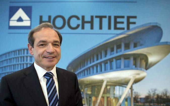 El presidente de la constructora Hochtief, el español Marcelino...