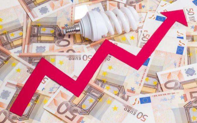 Moody's estima que la demanda de electricidad en España crecerá...