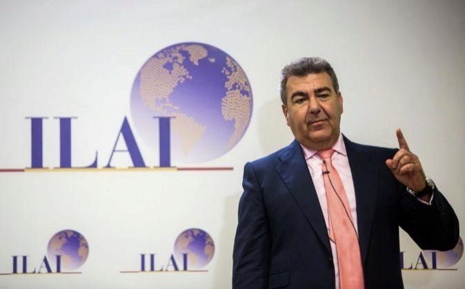 El presidente de Air Nostrum, Carlos Bertomeu, presenta el plan...