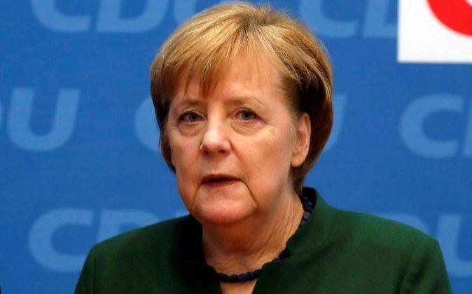 La canciller alemana, Angela Merkel, ayer en la reunión de la Unión...