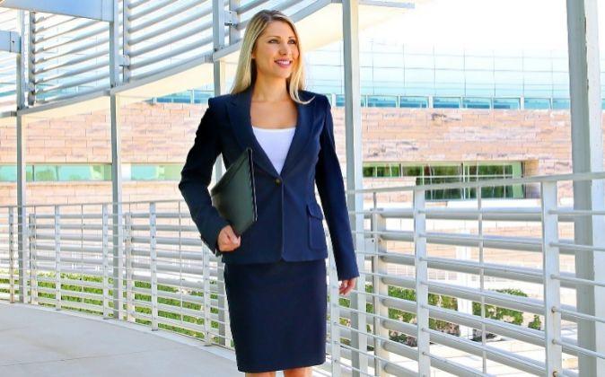 1aa5288d8 Así visten las mujeres profesionales en la oficina