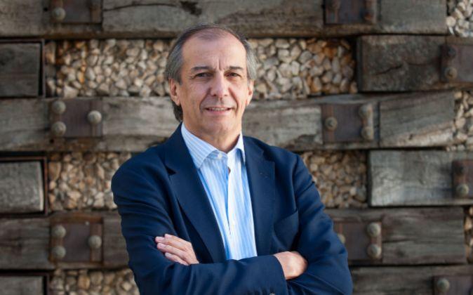 Adolfo Ramírez, director general adjunto del Banco Santander y autor...