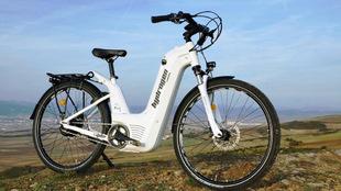 Bicicleta de hidrógeno Alpha  energía solar energía eólica medio...