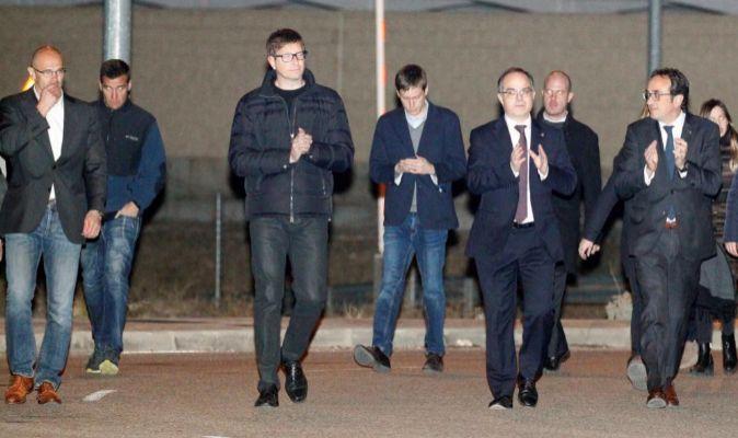 Los exconsellers de la Generalitat salen de la cárcel.