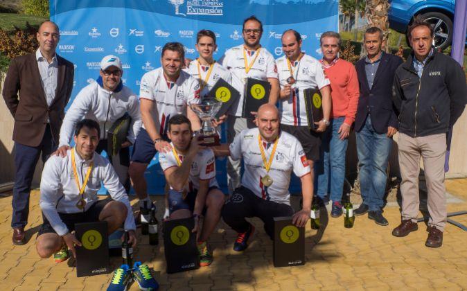 En la imagen, el equipo de Porsmistral Valladolid, ganador en la...
