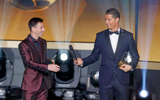 Cristiano Ronaldo y Messi, durante la ceremonia de entrega del...