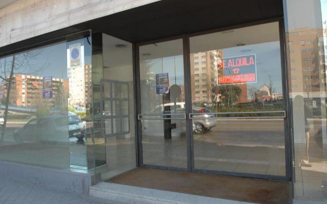 Un negocio cerrado por la crisis en Madrid.
