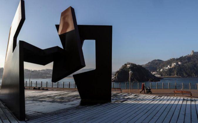 La escultura de Jorge Oteiza ubicada en el Paseo Nuevo de San...