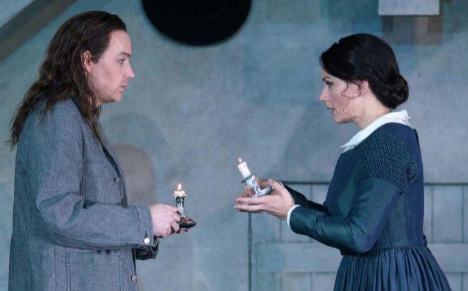 El tenor Stephen Costello y la soprano Anita Hartig, durante los...