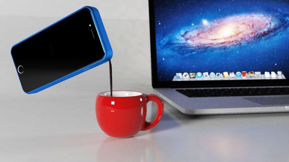 La funda de Mokase protege el smartphone a la par que prepara cafés.