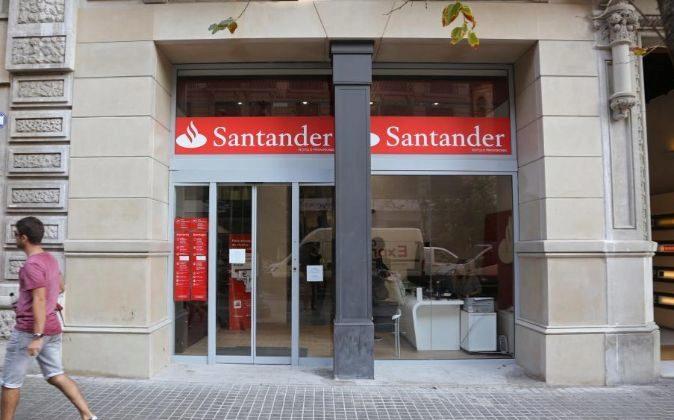 Oficina del Santander en la Rambla de Cataluña.