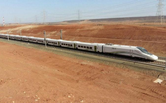 Pruebas del tren a la Meca.