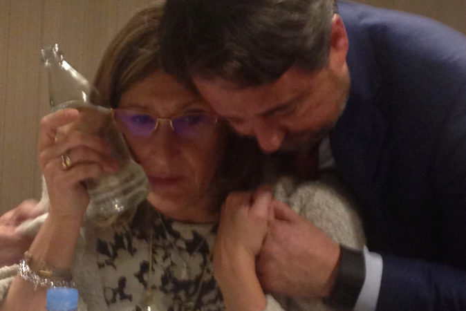 Sonia Gumpert y Javier Íscar, en el momento de hacer pública la...