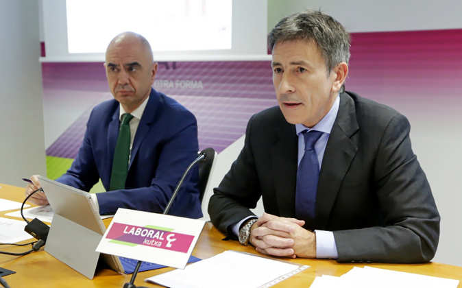 Xabier Egibar (izquierda), y Joseba Madariaga, durante la...