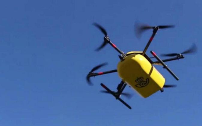 Dron de Correos en un vuelo de prueba en Asturias.
