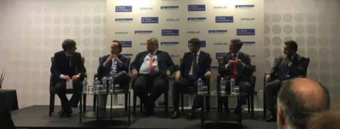 Los ponentes debatiendo durante el evento