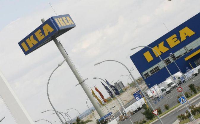 Vista exterior de una tienda de Ikea.