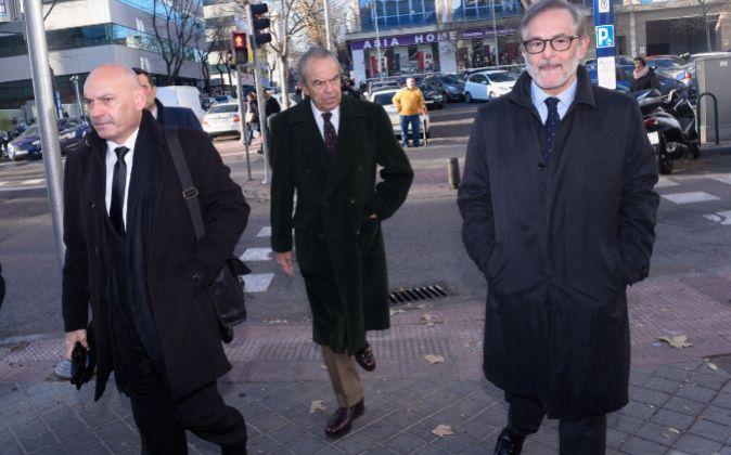 El expresidente de Bankinter Jaime Botín,c., a su llegada al juzgado...