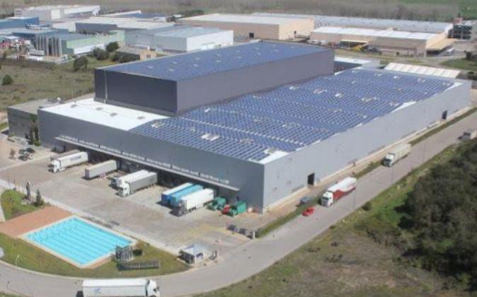 Centro logístico de Fluidra en Maçanet de La Selva, operado con la...