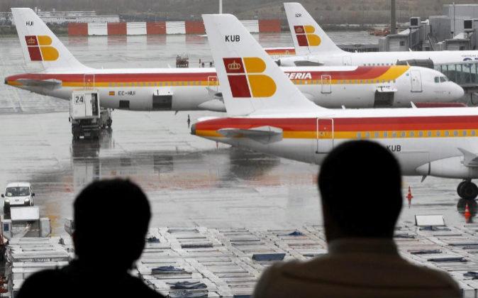 Varios aviones de la compañía Iberia.