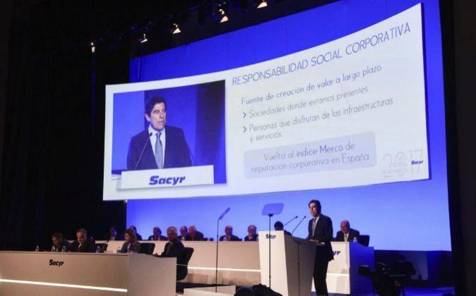 Manuel Manrique, presidente de Sacyr, en la junta de accionistas de...