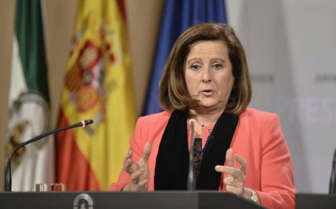 La consejera de Igualdad y Bienestar Social, María José Sánchez...