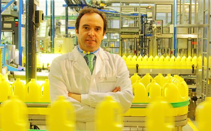 Rafael Ceballos, gerente de planta de las instalaciones de SPB en la...