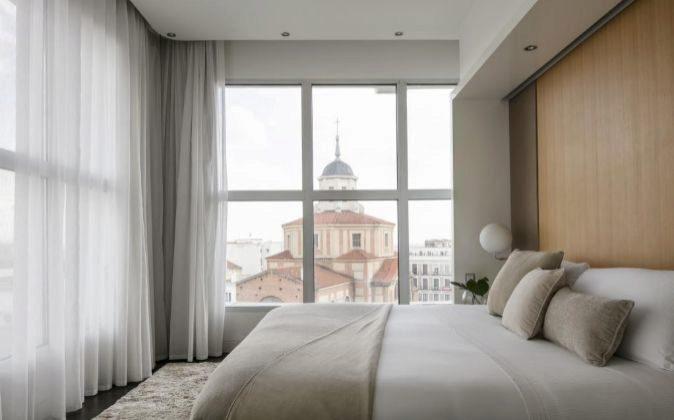 Una habitación del Hotel Me Madrid Reina Victoria, de la cadena...