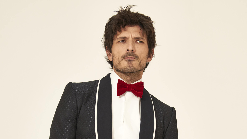 Andrés Velencoso esmoquin