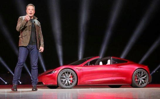 ¿La receta del éxito de Google y Tesla? Centrarse en el futuro