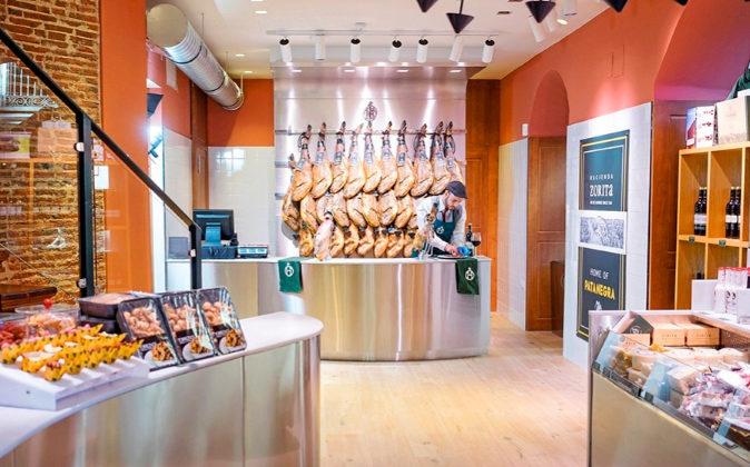 La calle Mayor de Madrid aloja el primer restaurante de la cadena...