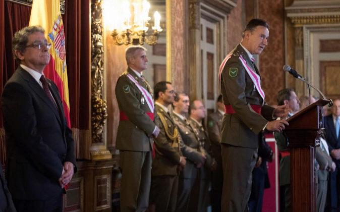 Fernando Aznar Ladrón de Guevara, inspector General del Ejército,...