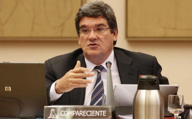 Jose Luis Escriba, presidente de AIREF, en el congreso.