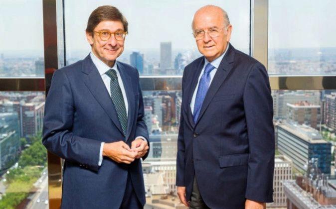 José Ignacio Goirigolzarri, presidente de Bankia, y Carlos Egea,...