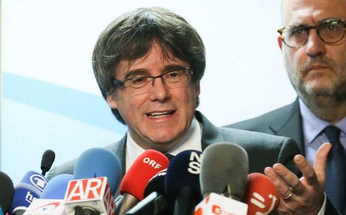 El expresidente de la Generalitat y candidato de Junts per Catalunya,...