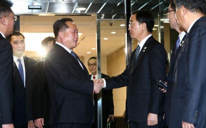 El jefe de la delegación norcoreana que dirige el comité para la...