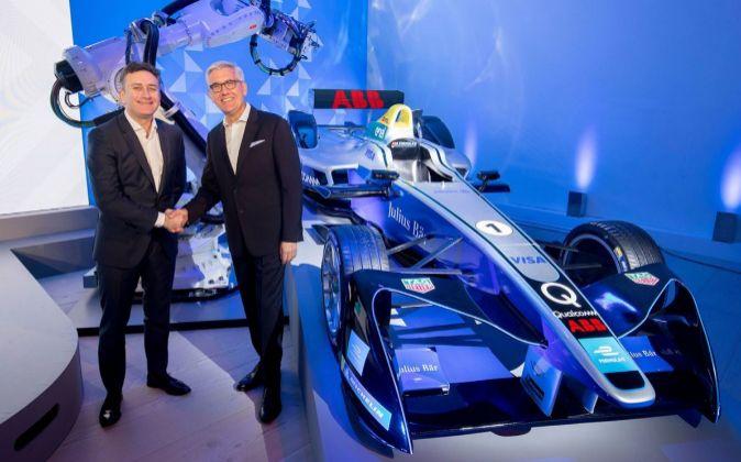 El fundador y CEO de la Fórmula E, Alejandro Agag, y el consejero...